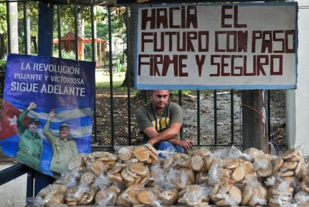 Muchos cubanos ven en la iniciativa privada la posibilidad de ganar más...