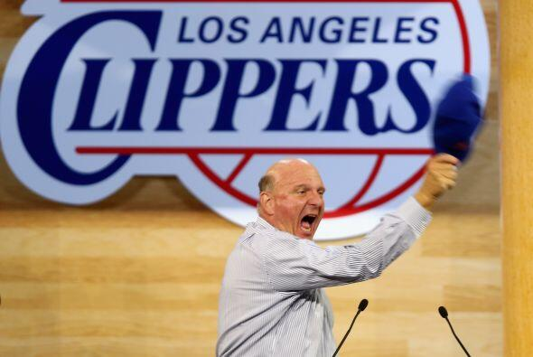 Steve Ballmer - Compró a Los Angeles Clippers por $2 mil millones...