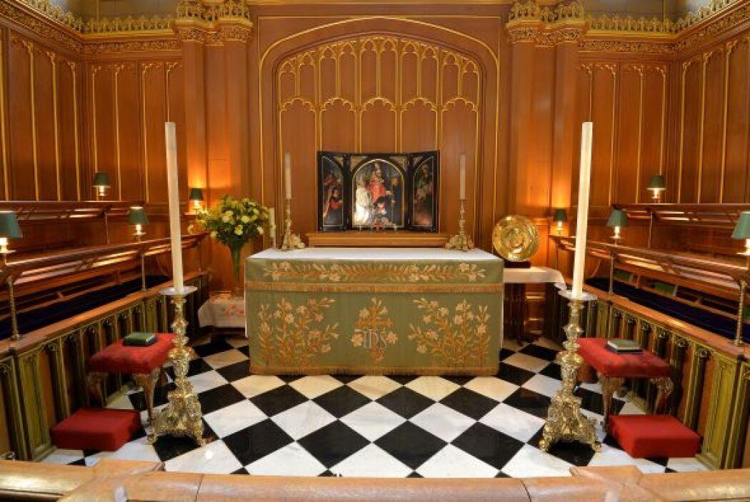 La imagen muestra una vista de la Capilla Real de St. James donde será b...