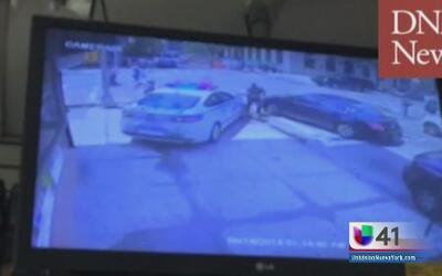 Policía le sacó tremendo susto a los peatones
