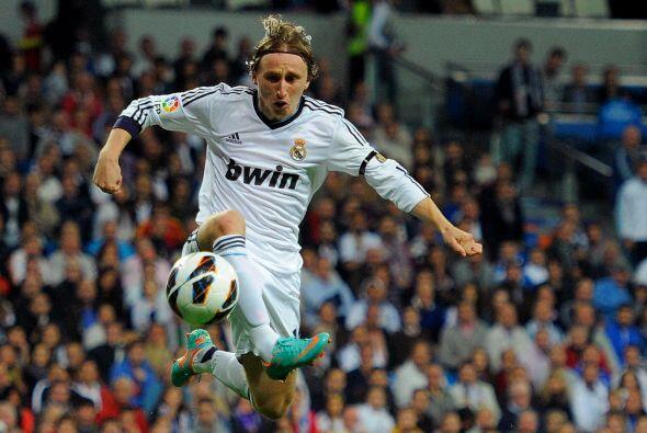 Modric fue colocado como mediapunta y cumplió con la solicitud de 'Mou'.