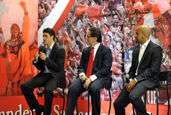Triplete de lujo, Giuliano el juvenil brasileño premiado, en el centro J...