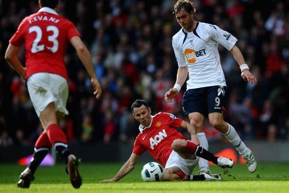 El partido comenzó parejo, sin muchas situaciones de gol y con lo...