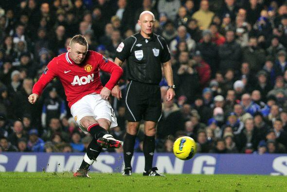 Rooney mostró su contundencia una vez más y puso el 3-2 qu...