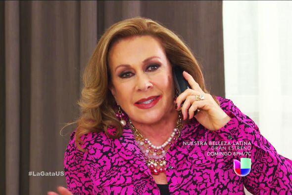 ¿Será tu mamá? Doña Lorenza se muere de ganas por hacer sufrir a Esmeralda.