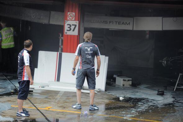 Sin embargo, los daños al 'box' de Williams fueron de relativa considera...