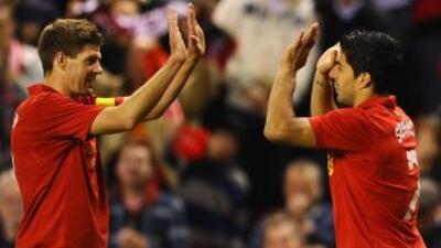 El capitán de los 'Reds' no dudó en defender a Suárez ante las críticas...