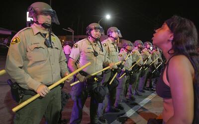 Estalla la violencia en California por muerte de otro hombre negro en ma...