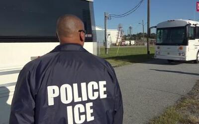 Stewart deporta a 300 inmigrantes