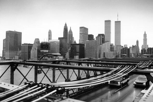 El puente de Brooklyn, uno de los principales símbolos de Nueva York, ce...