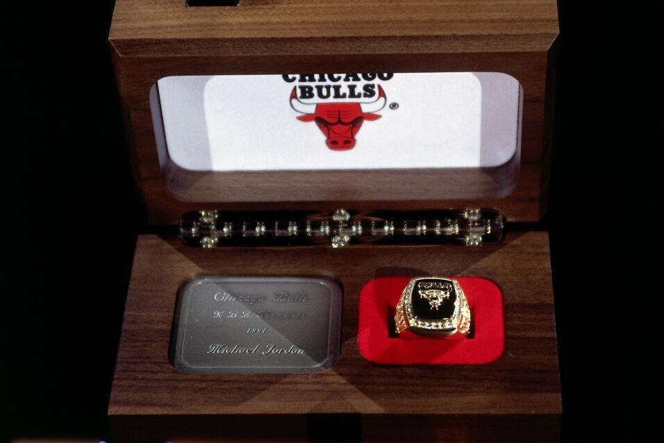 Anillo de campeonato de Michael Jordan de los Chicago Bulls del  1991.