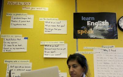 La ley federal exige asignar recursos a estudiantes que no hablan ingl&e...