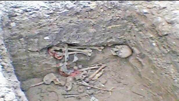 La presente imagen corresponde a los restos de una persona, encontrados...