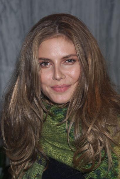 Esta belleza nació en Alemania el 1 de junio de 1973 y durante su niñez...