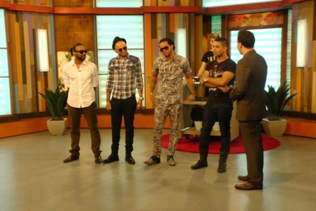 Sky Blu, Reek Rude, Sensato y Wilmer también estuvieron presentes para c...
