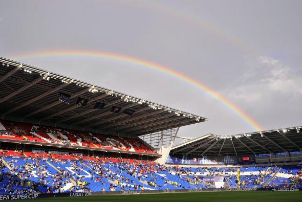 El estadio lucía perfecto para la gran cita y definir al campe&oa...