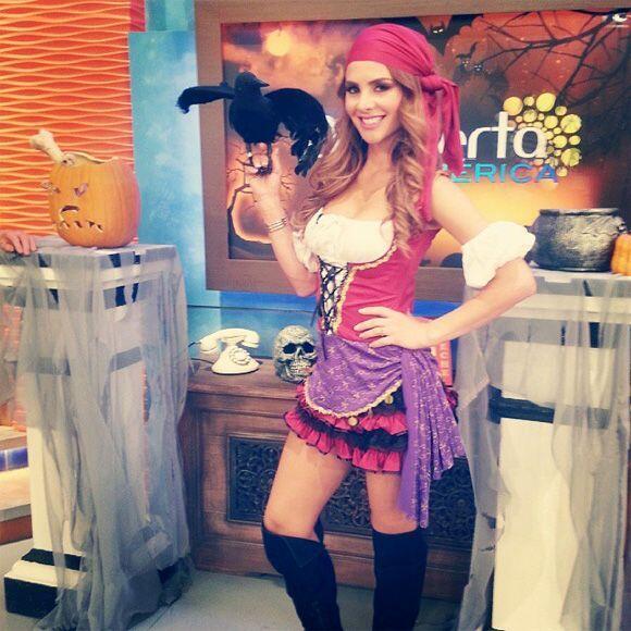 """""""Hoy en @despiertaamericatv soy toda una pirata en busca de un teso..."""