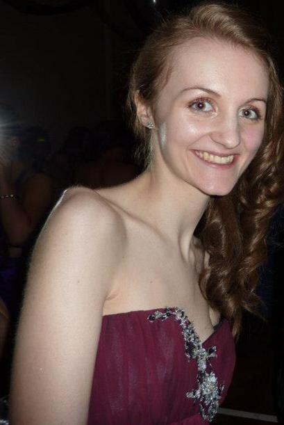 Debido a su enfermedad y obsesión por ser delgada, Heather lleg&o...