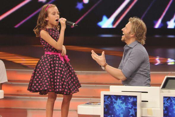La voz de Joselyn tiene impactado a Noel, y en su prueba de canto le ded...