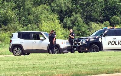 Policía tiene en custodia al sospechoso y al auto que no representa peli...