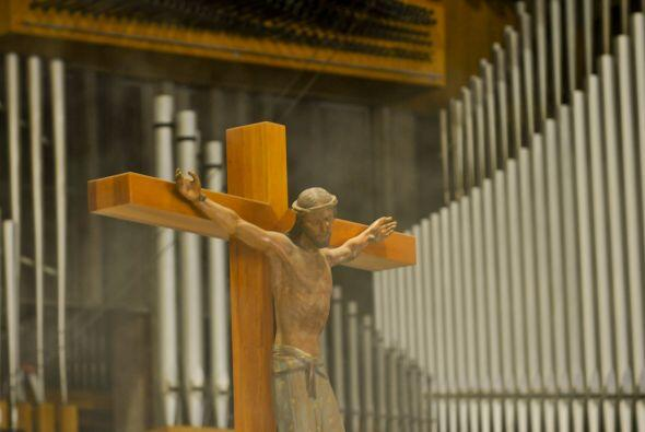 La Basílica de Guadalupe es un recinto edificado para la también llamada...