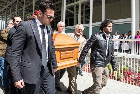 Imágenes del último adiós a Mónica Spear y s...