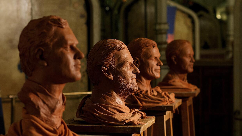 Figuras de arcilla de los cuatro principales candidatos.