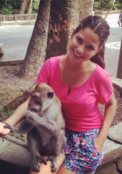 """#TBT #MonkeyForest #Thailand"", compartió Ana Patricia. (Septiembre 4, 2..."