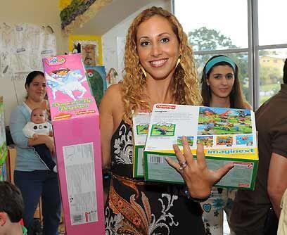 Una experta en niños y bebés. La presentadora del programa...