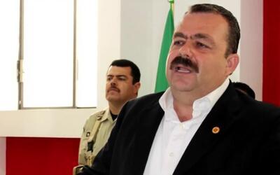 Detienen a un fiscal de México acusado de narcotráfico cuando cruzaba la...