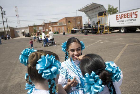 También en el festejo, alumnos de escuelas suelen llevar a cabo d...