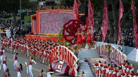 Una de las carrozas que engalanaron el Desfile de las Rosas edici&oacute...