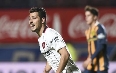 Sebastián Blanco celebra un gol con San Lorenzo