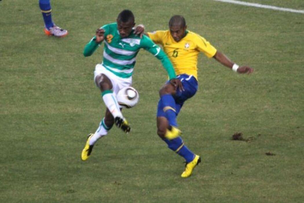 Los jugadores de Brasil hicieron de las suyas ante el colorido seleccion...