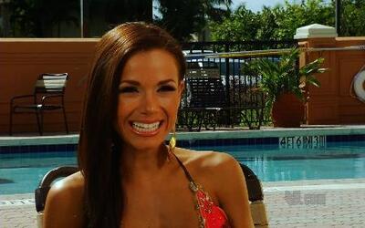 Elizabeth Robaina, finalista de Nuestra Belleza Latina 2012 en bikini
