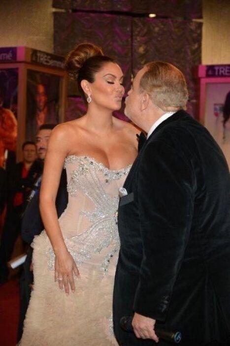 Un beso digno del recuerdo para el 25 Aniversario de Premio Lo Nuestro.