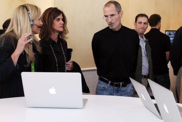 Las Apple I y II evolucionaron en otros equipos como la iMac, que reunía...