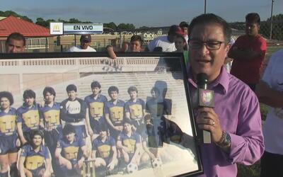 Equipo de futbol local celebra su trigésimo aniversario
