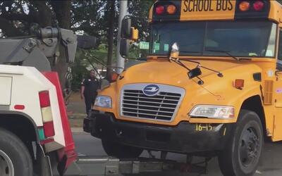 Un accidente vehicular dejan a dos estudiantes y un adulto con heridas