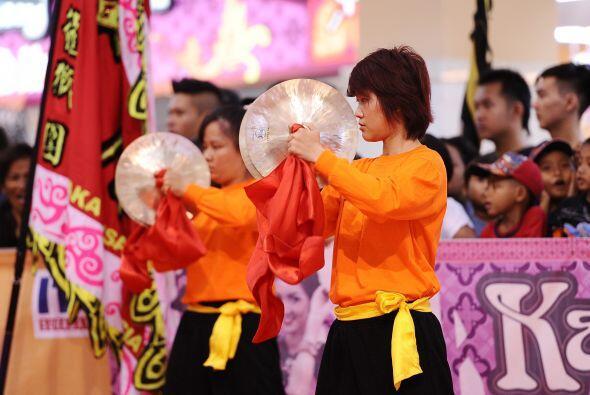 Hoy en día es el arte popular en las culturas china e indonesia.