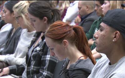 El 8% de los estudiantes de la Universidad Estatal de Sacramento logra g...
