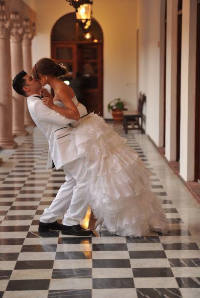La primera sesión de fotos como casados de Alejandra Espinoza y Aníbal M...