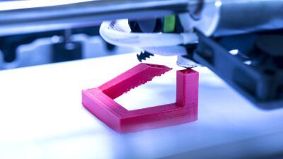 Descubre cómo funcionan las impresoras 3D y lo que puedes hacer con ellas.