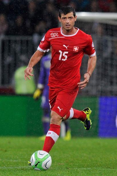 Blerim Dzemaili: Otro de los pilares en el centro del campo del equipo e...
