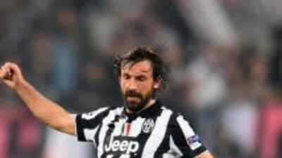 A los 35 años, Andrea Pirlo brilla en Juventus, de Italia.
