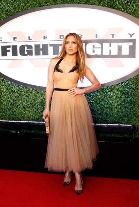 Para todas esas mujeres que son unas reinas como Jennifer Lopez, el tul...