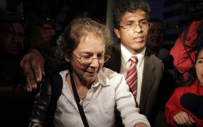 Lori Berenson junto a su abogado, Aníbal Apari