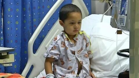 Gibrán, uno de los niños hospitalizados por la micobacteria.