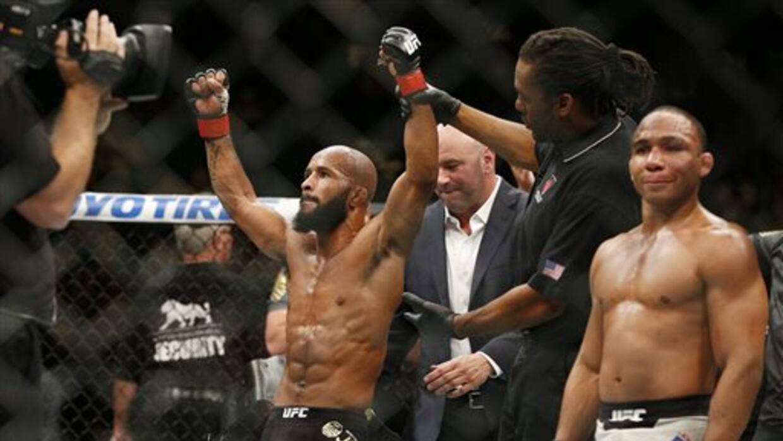 Johnson retuvo título mosca UFC.