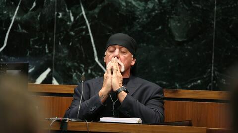 Terry Bollea, conocido como Hulk Hogan, durante su testificación...